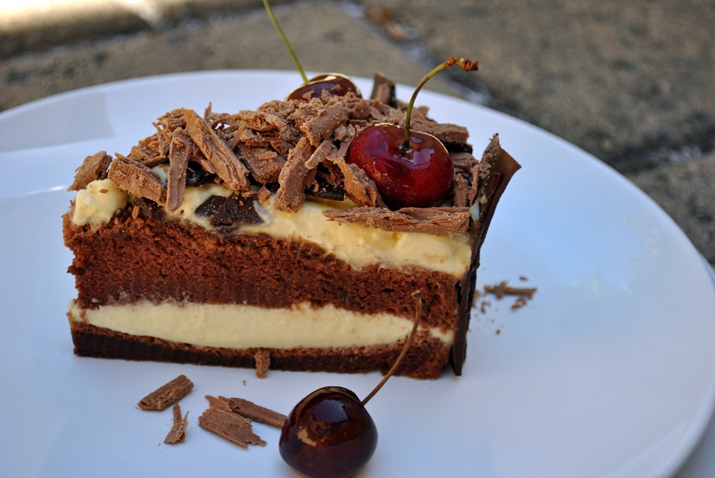 Quinn's Baking Diary: Durian-Chocolate Tiramisu with Champagne Glazed ...