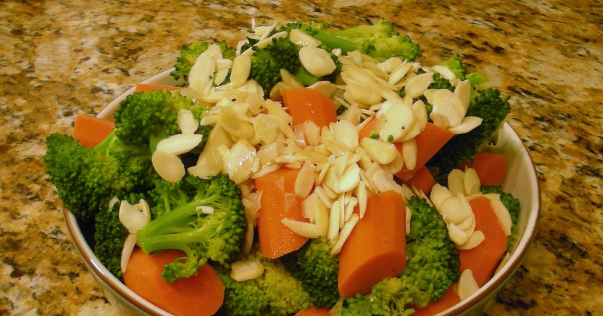 Everyday Vegan: Broccoli and Carrots with Toasted Almonds