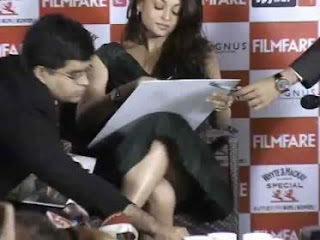 aishwarya rai upskirt in press confernce tag aishwarya rai upskirt 320