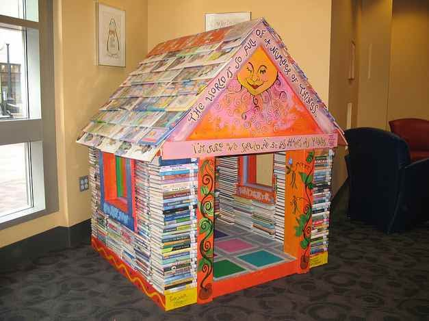 Classroom Reading Nook Ideas ~ Greetings from nowhere a book playhouse