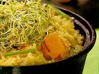 Arroz Integral com Legumes e Broto de Rabanete