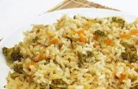 Arroz Integral com Brócolis, Maçã e Castanha (vegana)