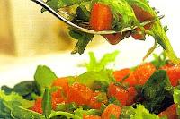 Salada Verde com Vinagrete de Melancia (vegana)