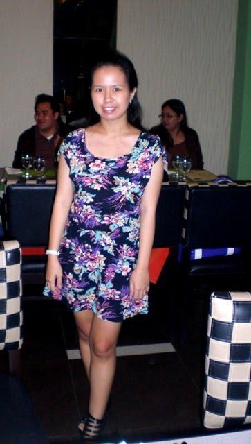http://1.bp.blogspot.com/_X3hI3hadKJ0/THlVEheXIuI/AAAAAAAAD8E/exPMqIwEO34/s1600/floral+dress.JPG