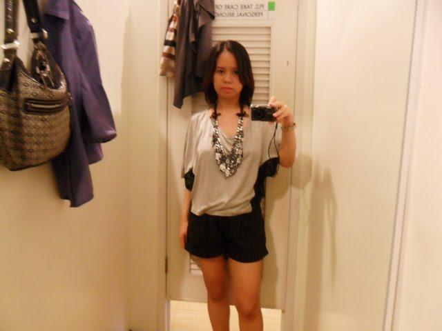 http://1.bp.blogspot.com/_X3hI3hadKJ0/TLXw3JbVdOI/AAAAAAAAEMs/_v5-PnEueYM/s1600/manila+fashion+blog.JPG