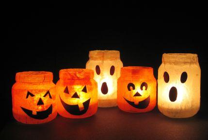 اعمال فنية جميلة لقضاء وقت الفراغ  Halloween-votives