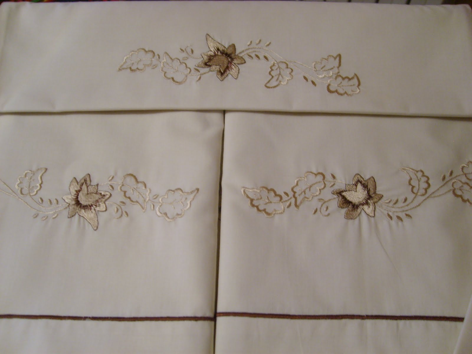 Patrones bordados para sabanas - Imagui