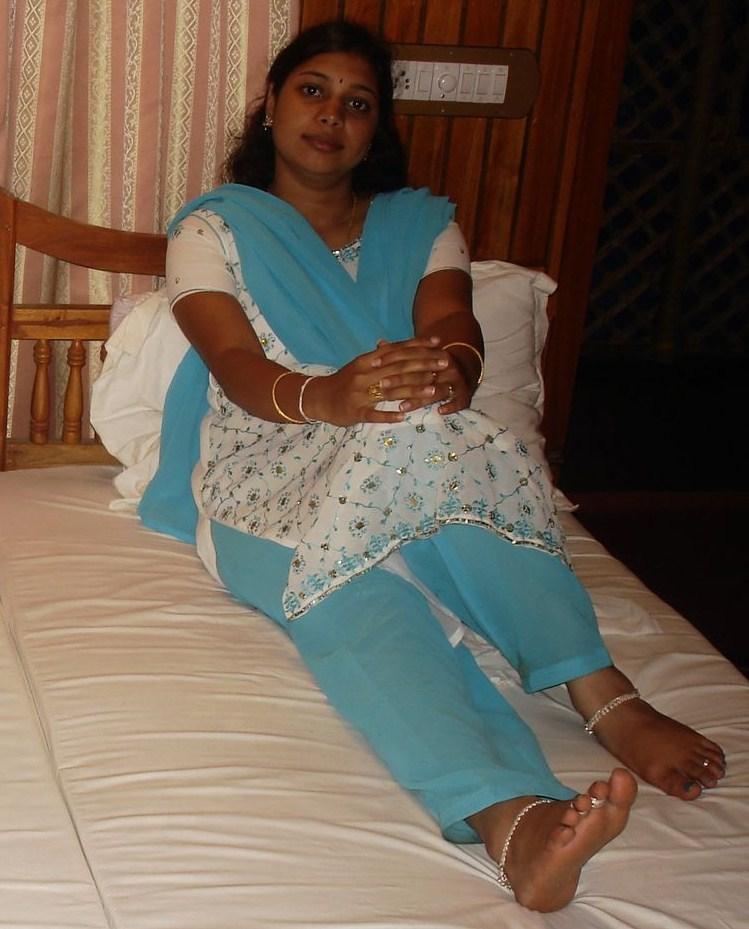 Andhra Aunty Feet