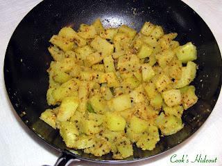 Cook's Hideout: Boppayakaya Kura: Green Papaya Curry