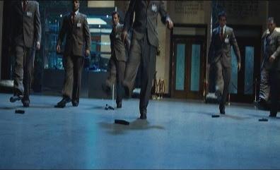 Синхронный танец охранников