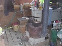 もらい物の薪ストーブで煮炊き
