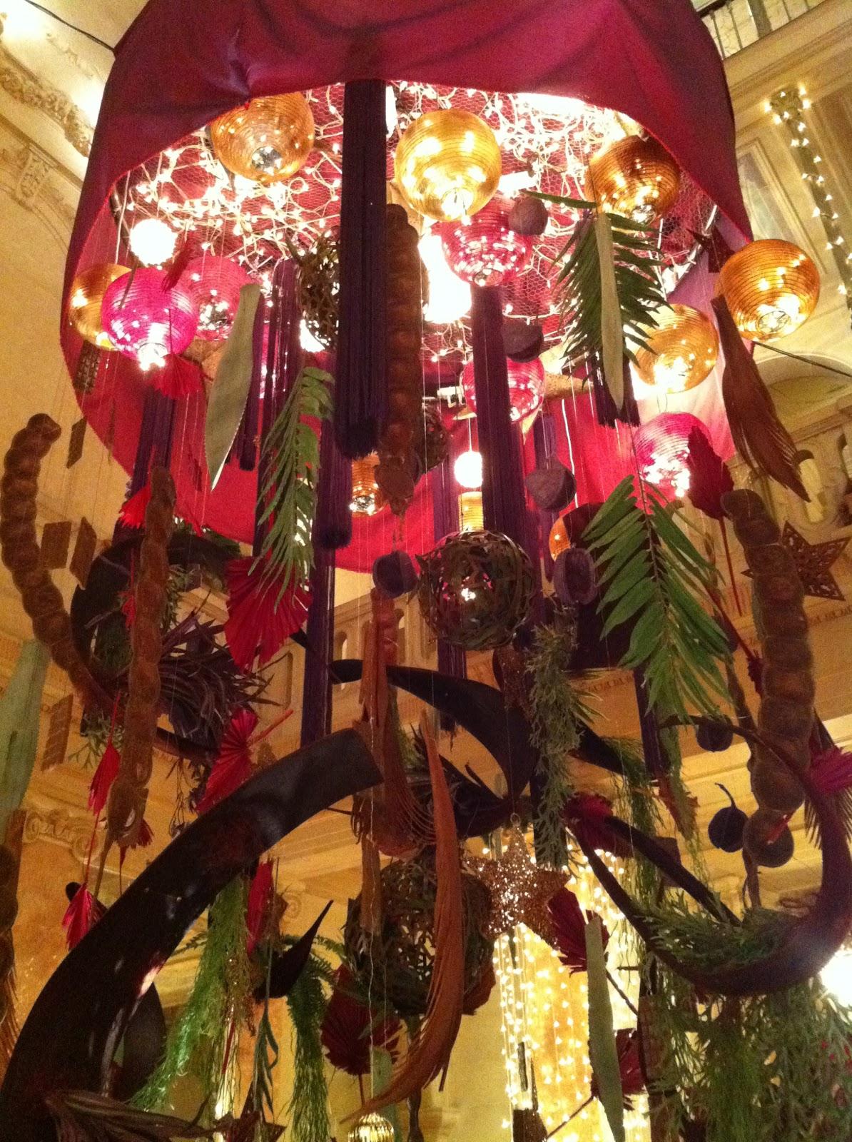 #B68515 Gerald Tilki 5435 decorations de noel geneve 1194x1600 px @ aertt.com