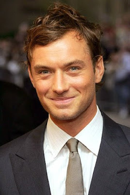 Jude Law messy hairstyle