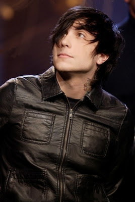 Frank Iero Hairstyles For Men