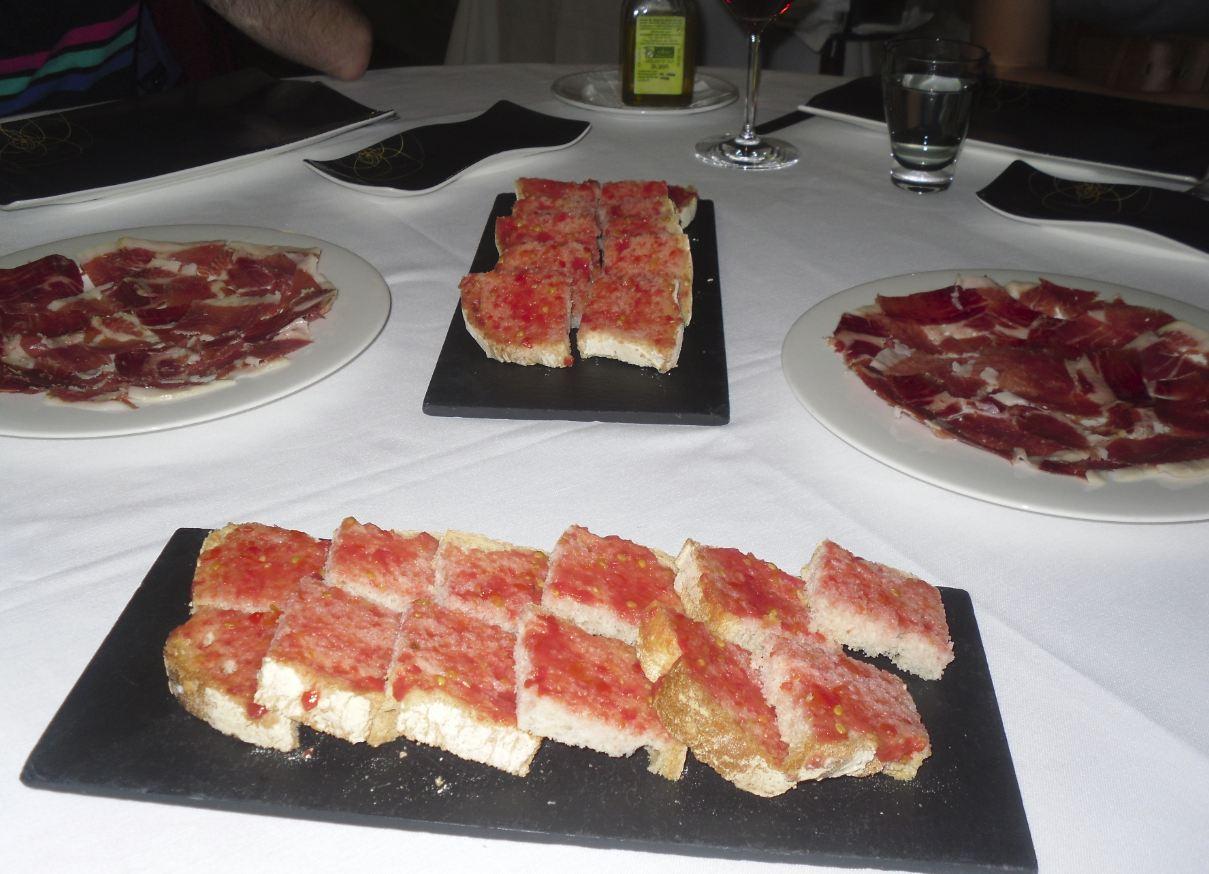 La cocina plural restaurante la bastilla zaragoza for Cocina aragonesa zaragoza
