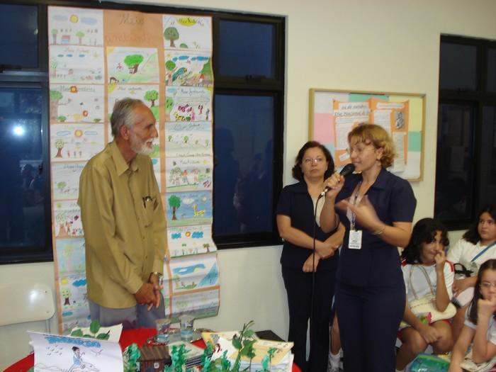 Momento solene de avaliação pedagógica e saudação na palavra fluente da Profesora kalina de Castro
