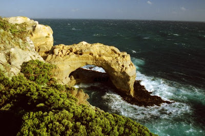 Arch, Great Ocean Rd., Victoria, Australia Dec. 2000