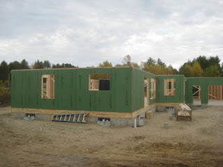 prefab+wall+panels+with+ZIP+system+sheathing Prefabricated Wall Panel Erection