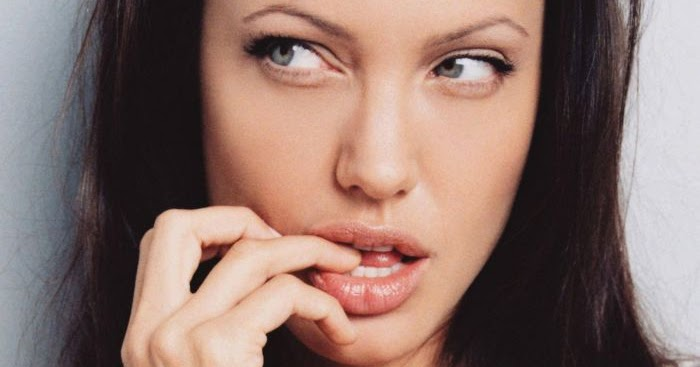 Top model gallery: hollyood acress Angelina Jolie Kissable ... Angelina Jolie