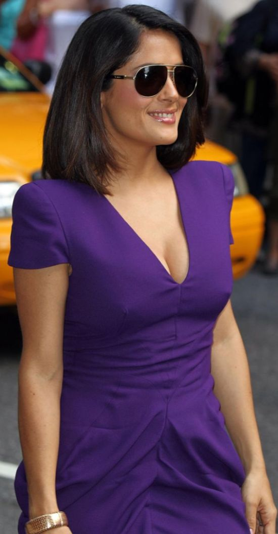 salma hayek breastfeeding addiction. salma hayek breastfeeding addiction. dresses Salma Hayek salma