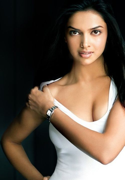 hot bollywood actress deepika gallery