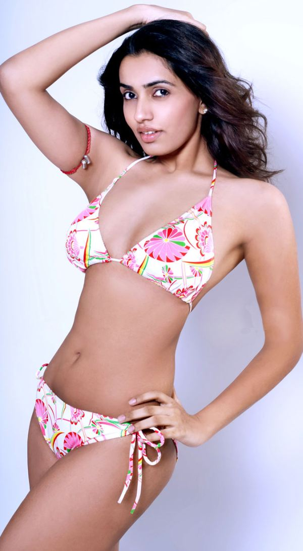 Bollywood Actress Hot Bikini Wallpapers