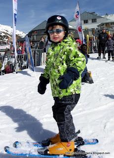 Proud Pioupiou skier