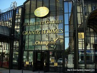 Department shopping Marché des Grands Hommes in Bordeaux