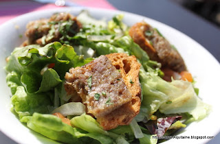 Salad with rillettes