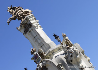 Detail of statue at the Maria Cristina Bridge
