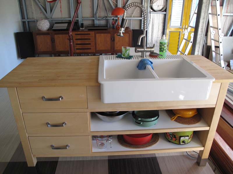 Domestic bliss thanks to varde domsjo sink hack ikea for Meuble udden ikea