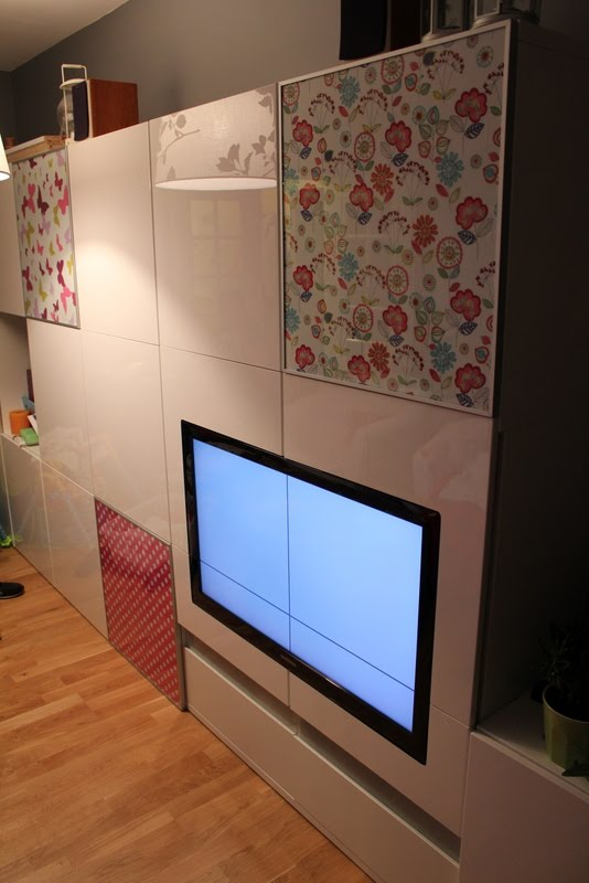 waooouu how did you find a tv that fits perfectly with besta ikea hackers ikea hackers. Black Bedroom Furniture Sets. Home Design Ideas