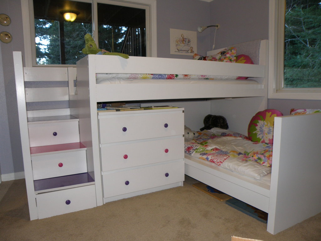 Malm toddler bed under malm inspired bunk ikea hackers for Ikea kids loft bed