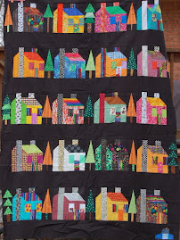 Freddies house quilt top from Retreat challenge 2006