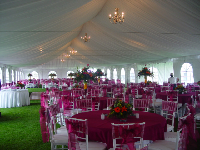 Outdoor wedding tents size does matter for Outdoor party tent decorating ideas