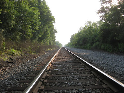 neverending train tracks, train tracks, horizon vanishing point