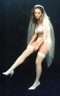 bride posing for bridal boudoir photography