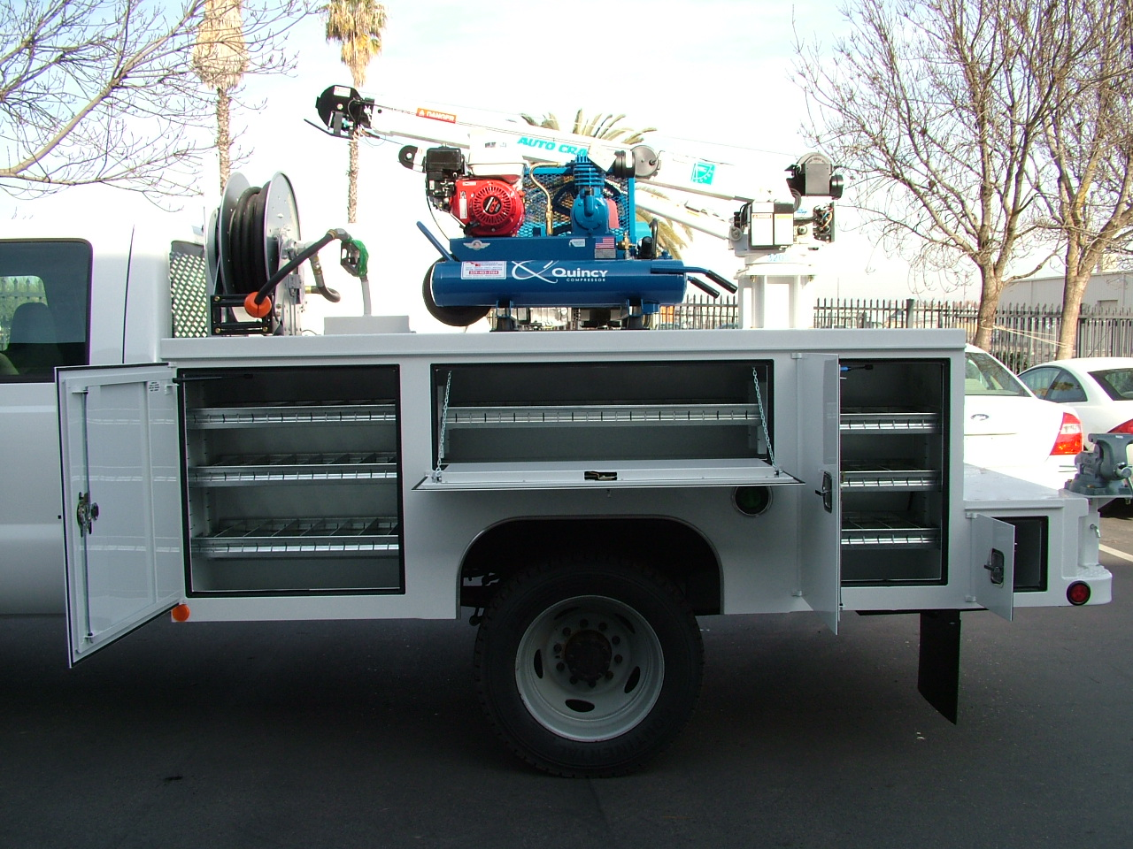Scelzi Utility Body : Commercial truck success nice welder crane body from
