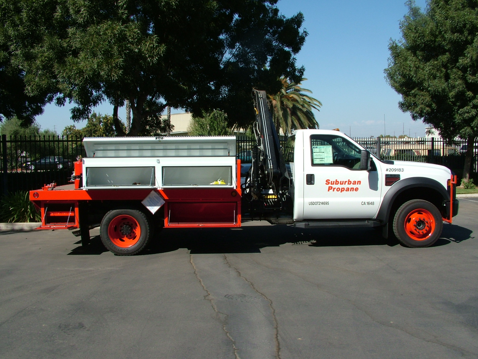 This Is A Propane Body Built For Suburban By Scelzi Enterprises Of Fresno Ca It Equipped With An Hiab 055 D3 Clx Loader Crane Knuckle Boom