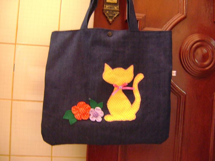 Bolsa grande de gatinha...