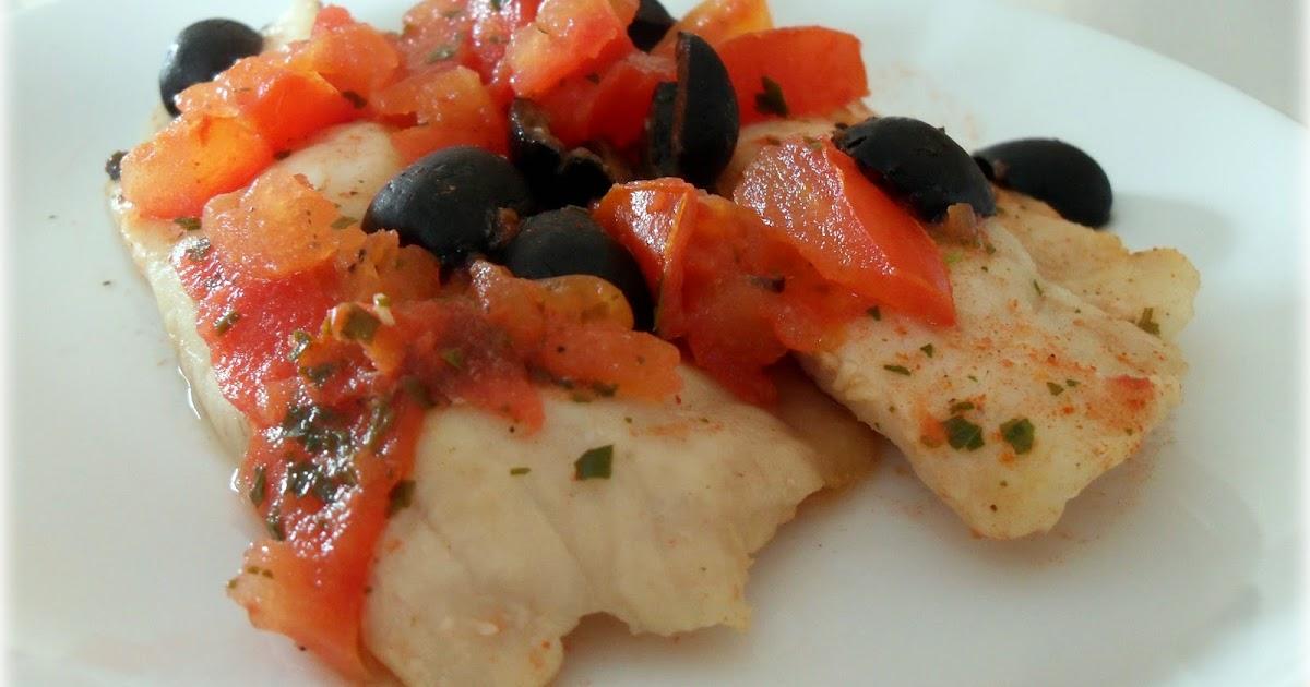 Yaya in cucina: Nasello con pomodori e olive nere al microonde