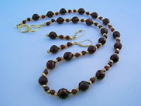 RED CARNELIAN AND GOLD VERMEIL NECKLACE AND EARRINGS SET