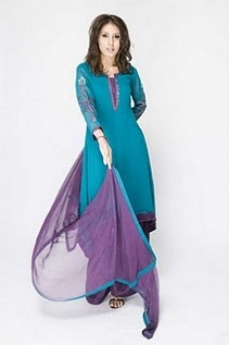 Hot Girls in Salwar Kameez Photos, Indian Models in Salwar Kameez Designs 2011