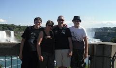 Bij de Niagara Falls (2010)