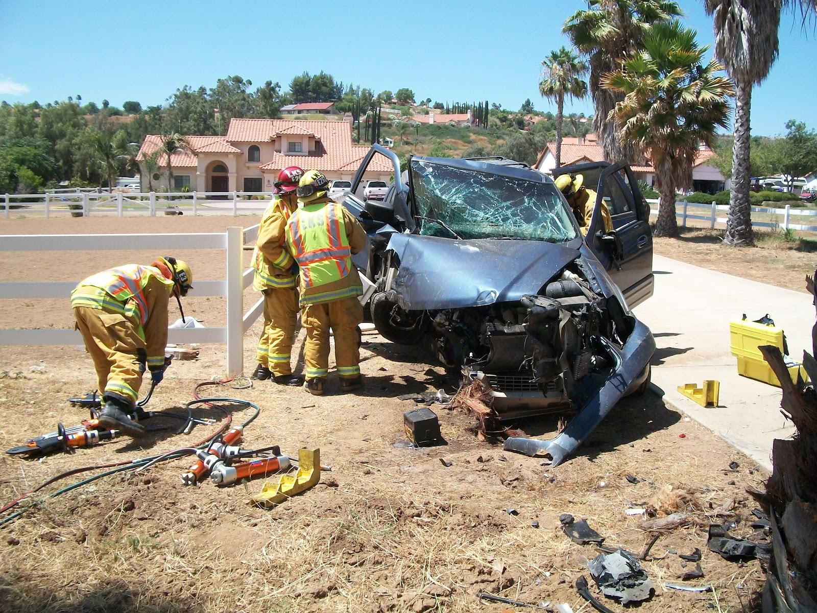 car accident i witness If you've been injured in a car accident, what kind of information should you get from eyewitnesses to the crash.