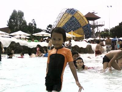 Anyndhia Snowbay Taman Mini