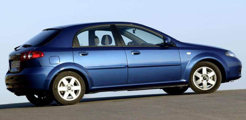 2004 Daewoo Lacetti Cdx. The Daewoo Lacetti is a