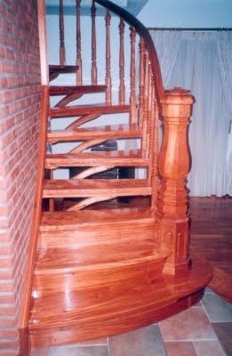 Escaleras para espacios reducidos dise os ideas fotos decoractual dise o y decoraci n - Soluciones escaleras poco espacio ...
