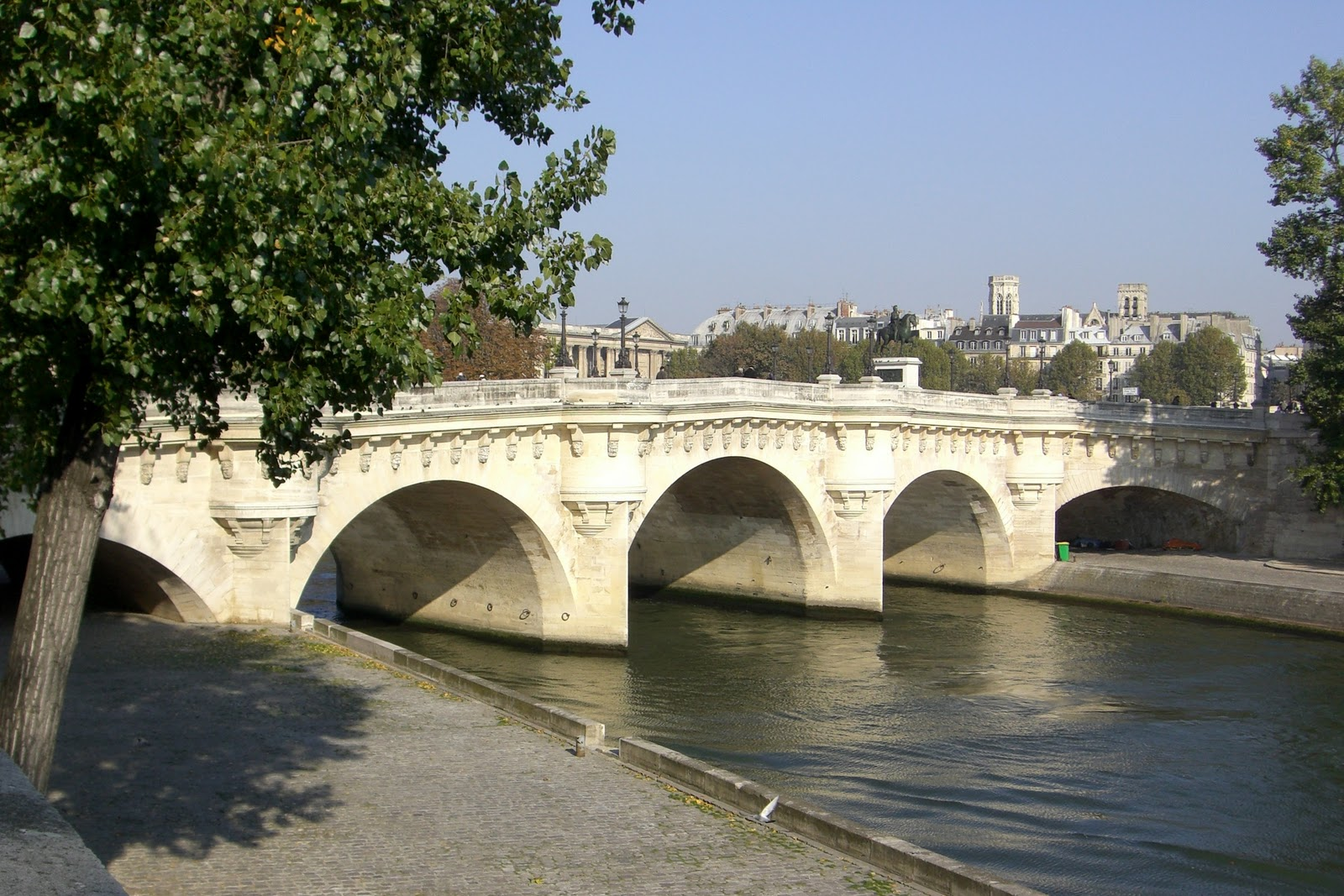 le pont neuf autrefois coeur battant paris d 39 un pont. Black Bedroom Furniture Sets. Home Design Ideas