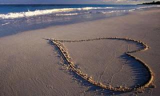 Corazon arena playa amor